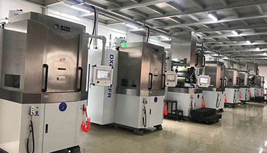 The company newly purchased four R-type multi-line CNC cutting machines and four conventional multi-line CNC cutting machines.